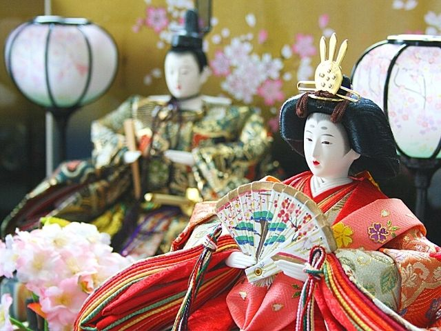 picture: japanese hina dolls